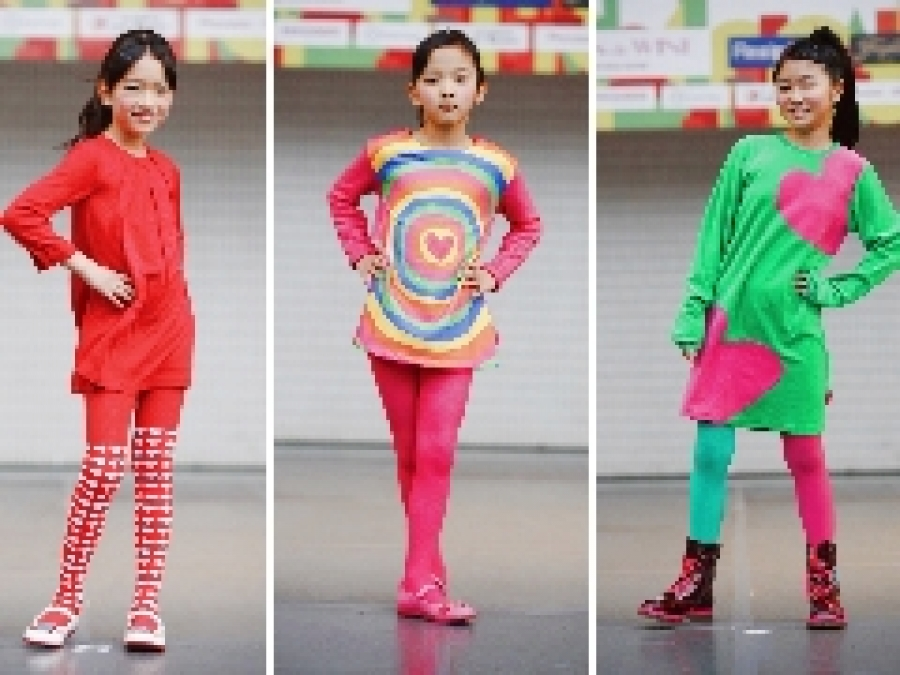 Agatha Ruiz de la Prada ファッションショーを開催